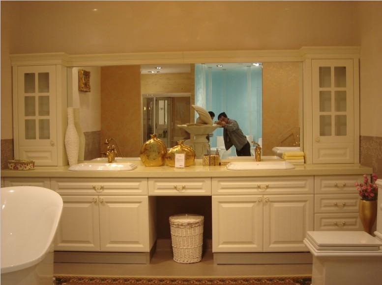欧派卫浴洗脸盆安装三角阀未拧紧,造成墙体大面积渗水