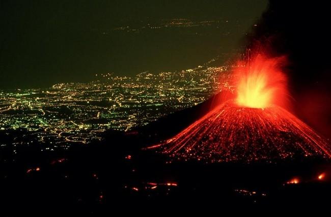 火山爆发说