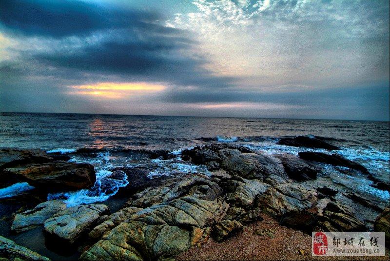 8月4日早5:00起床赴灯塔风景区,礁石,沙滩,绿地,旭日东升,拍完日出
