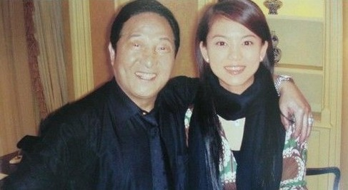 王林对刘志军说要帮他办公室弄一块靠图片