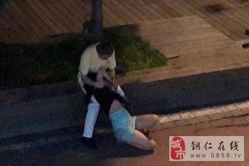 青岛一女子醉卧街头遭路过的3名男子轮流猥亵