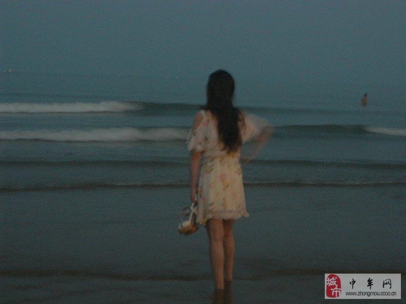 原创日照游玩 海边偷拍美女