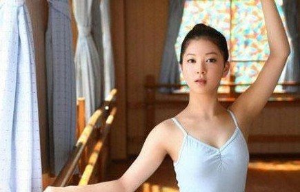 朝鲜5大国宝级美女 解开朝鲜国花的神秘面纱!