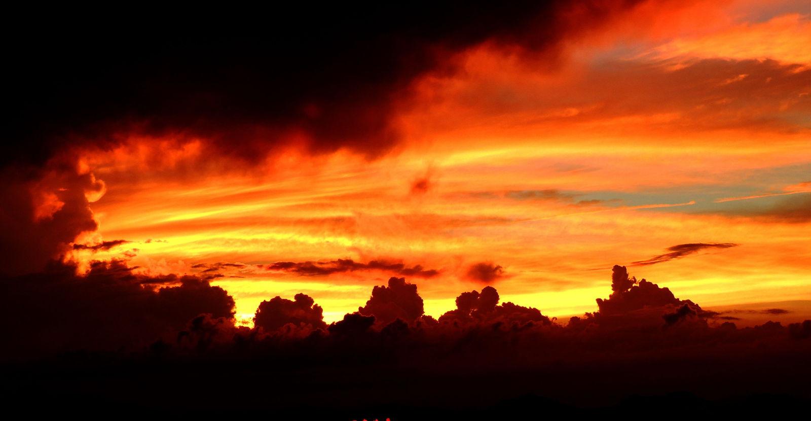 背景 壁纸 风景 火灾 天空 桌面 1600_830