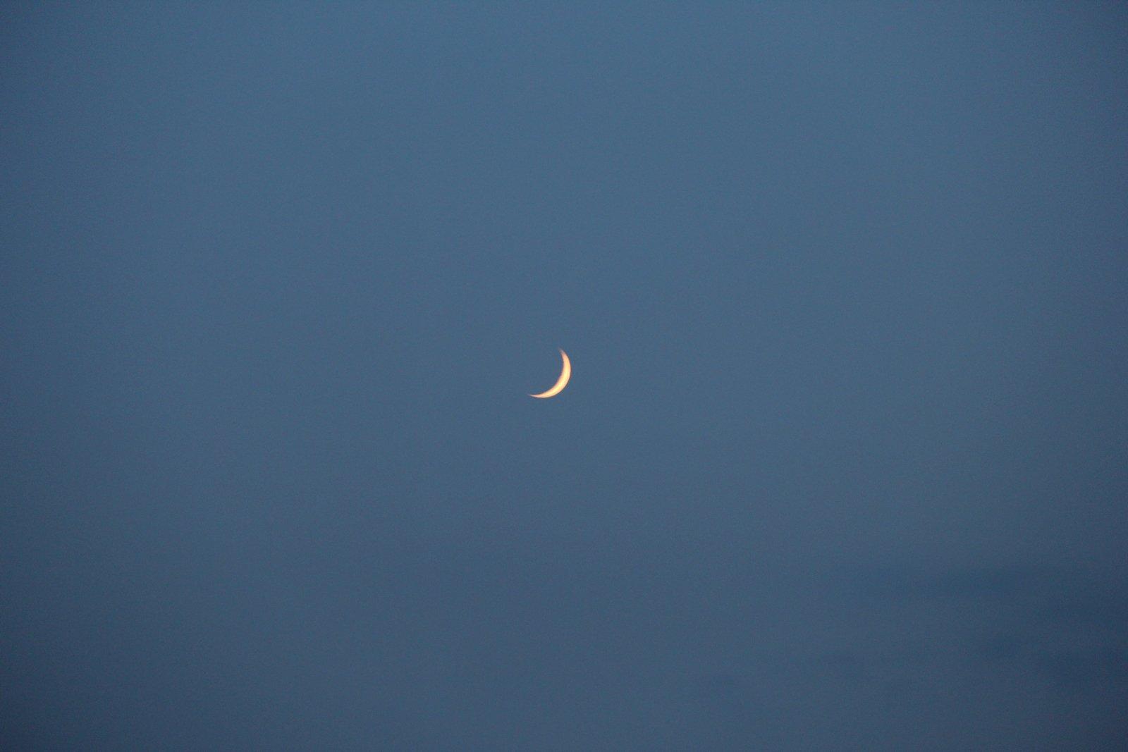 单反拍的月亮