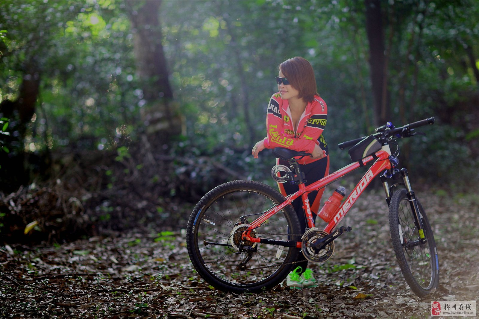 美女与山地车 草根摄影