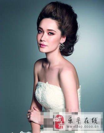 展现高贵优雅俏新娘,欧式复古风新娘发型