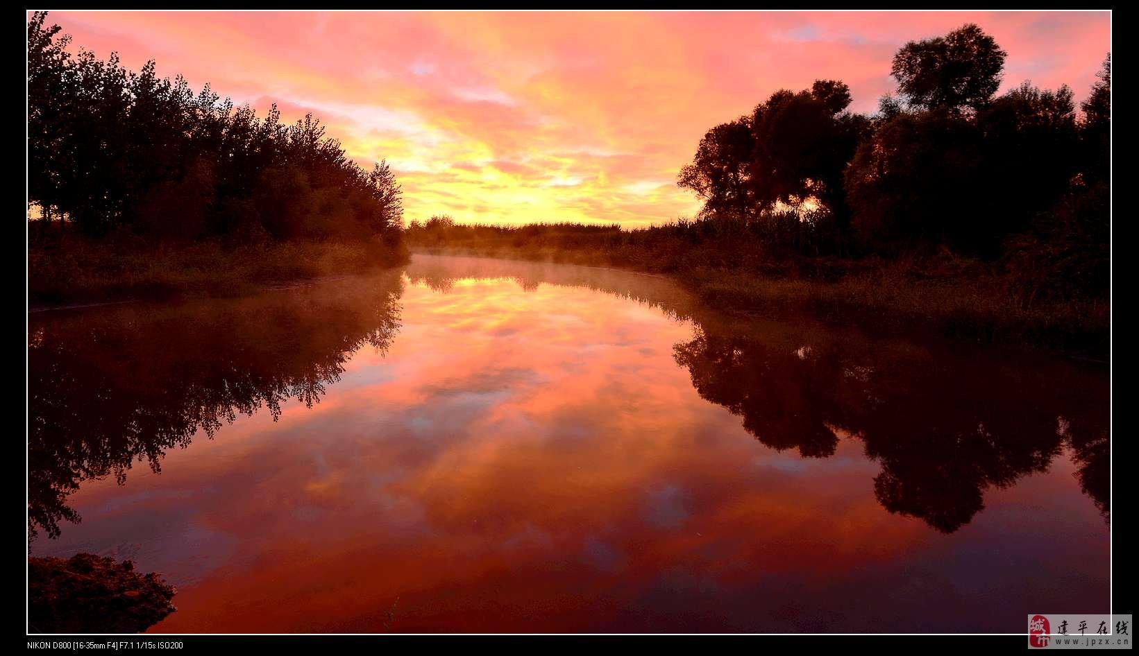 清晨不同时间段的老哈河