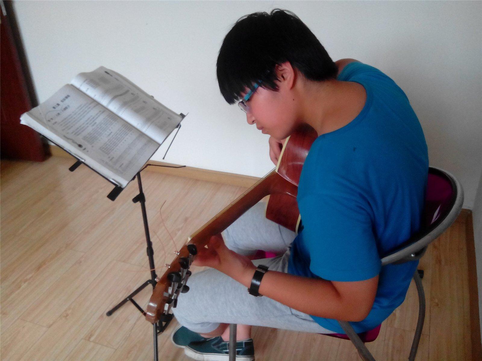 崇州/主题: 崇州最优惠最便宜的吉他教学