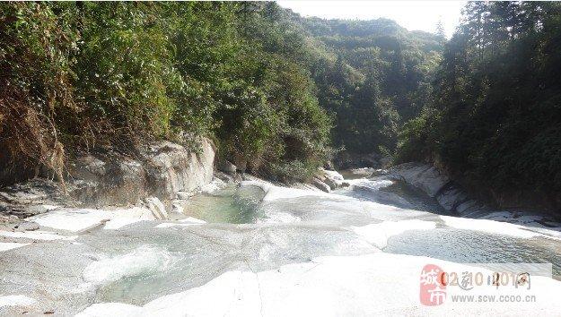 登江西第一高峰――遂川南风面有感