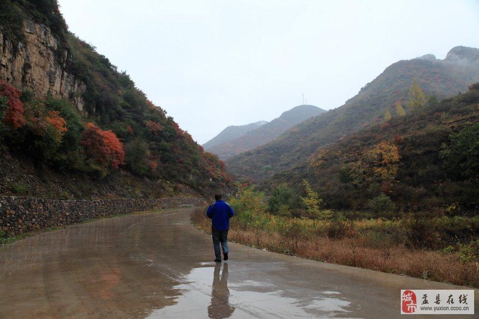 冒雨走进中国.山西峪生态自然风景区