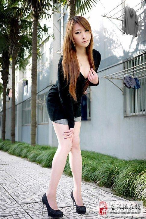 齐b短裤街拍图片