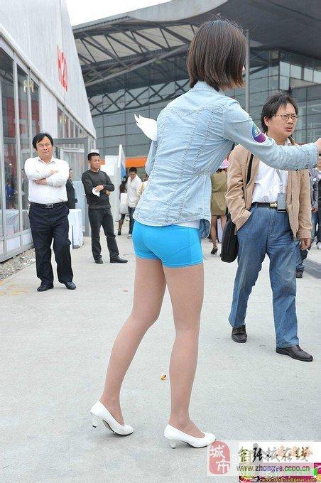 偷拍美女透明内裤很诱惑很刺激