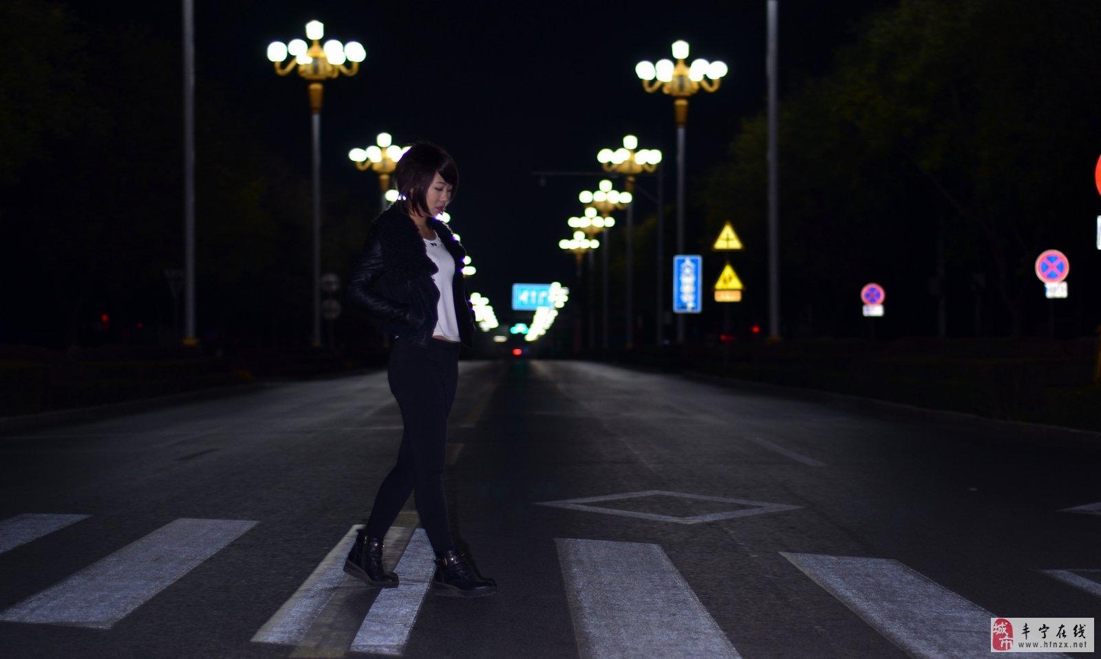 一个人孤独背影图片 一个人街头图片 一个人孤独背影图片