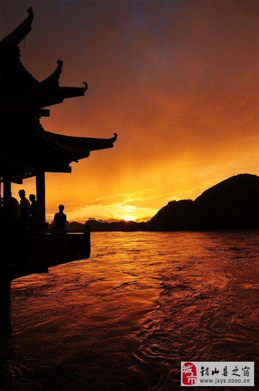 信江河的美