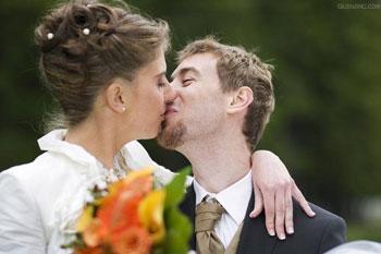 最美�M婚姻里的男女年�g差距
