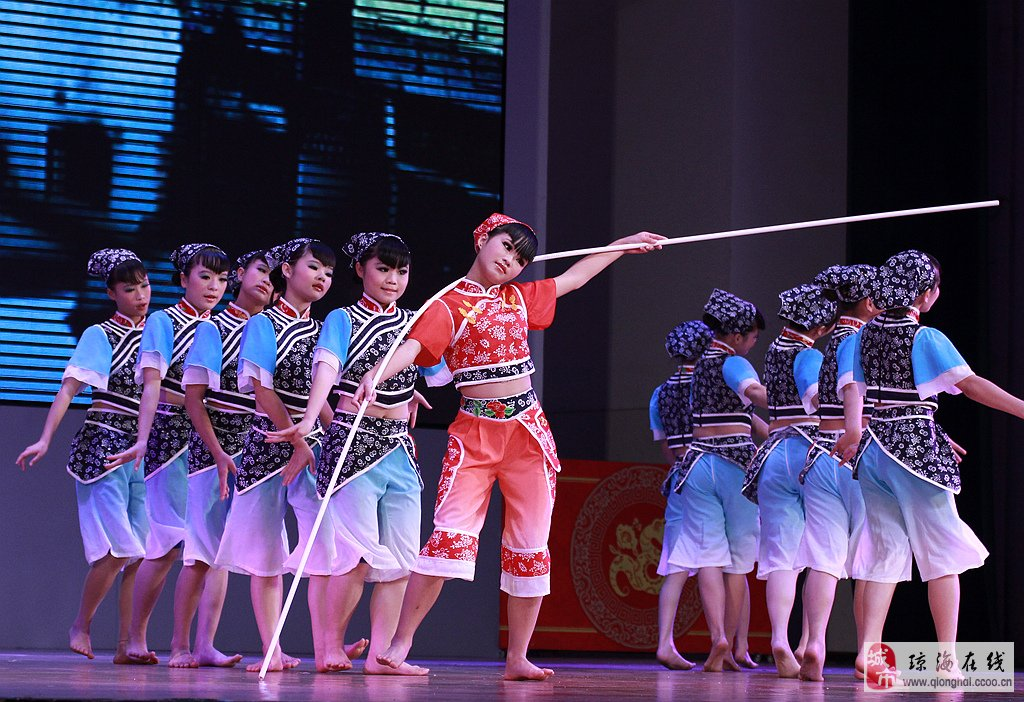 我市第六届中学生文化艺术节舞蹈专场比精彩写照图片