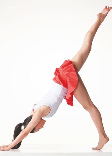瑜伽中的动物模仿秀 塑造匀称柔韧体型