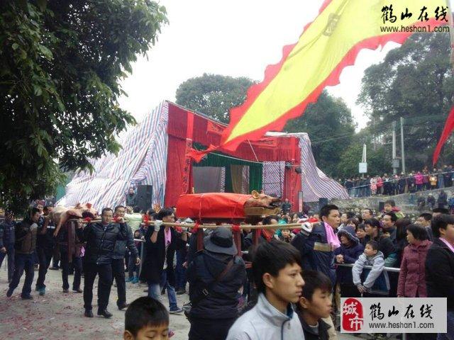 视频:鹤山鹤城镇小官田烧炮庙会