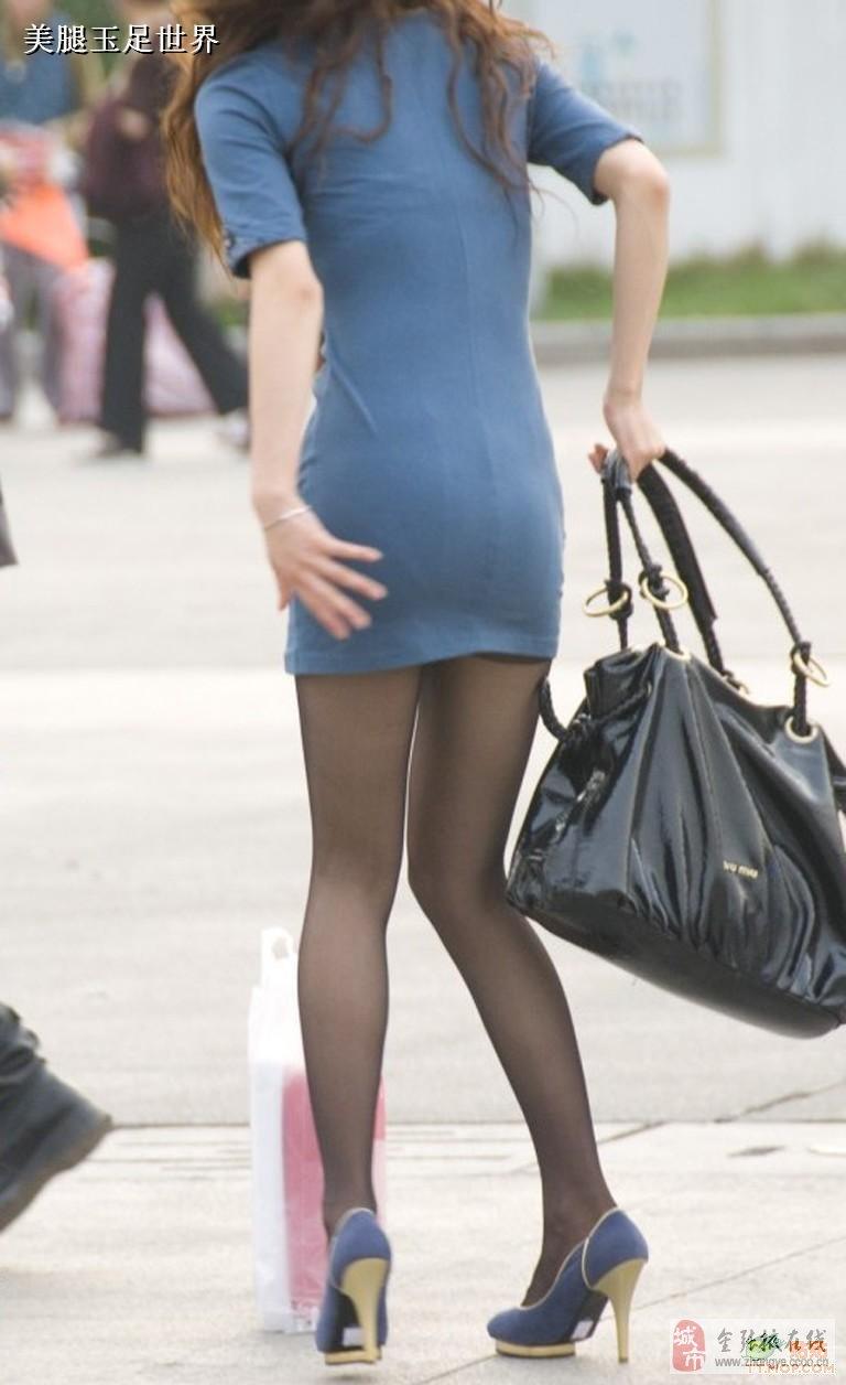 性感美女低胸透明吊带裙