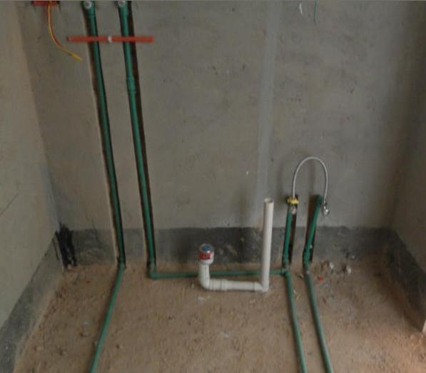 3) 电路排布为所以空调各自独方一路,所以照明为一路,厨房插座为一