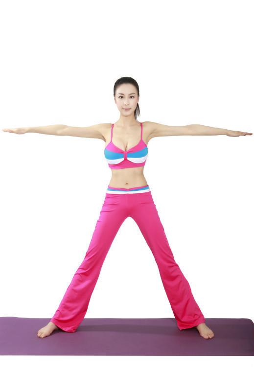 靓丽美女瑜伽教练高清图片展
