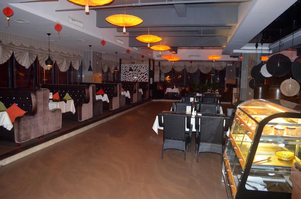 海南省琼海市银海路(琼海市公安局对面) 海得利商家酒店二楼咖啡厅