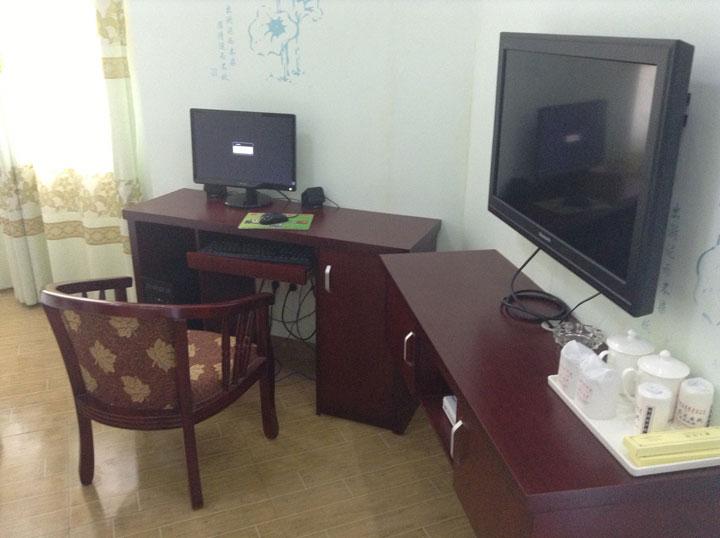 单人间电脑房
