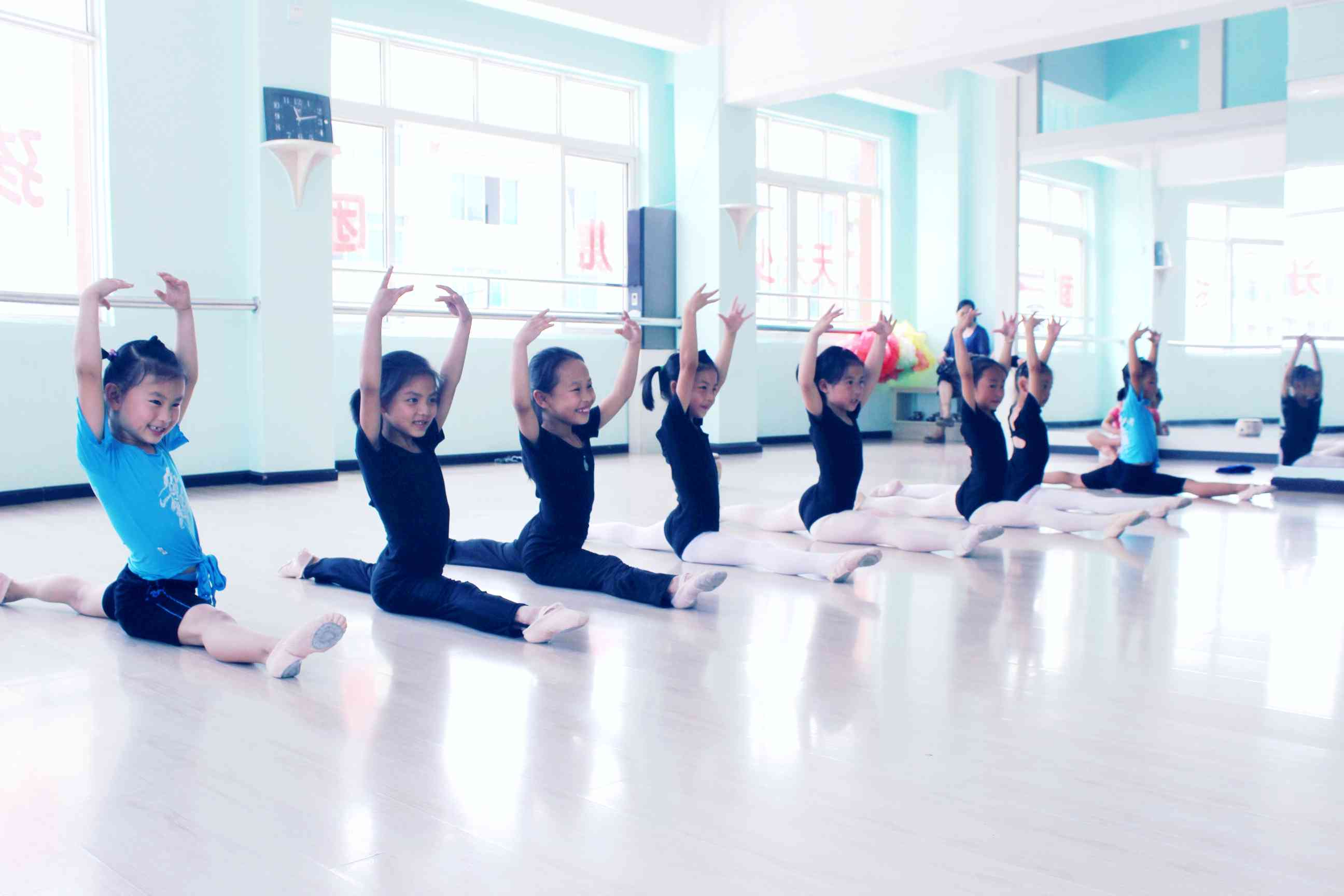 教学舞蹈备课备?音乐小白船课后反思图片
