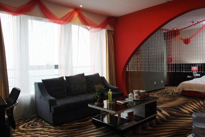 红色主题豪华套房