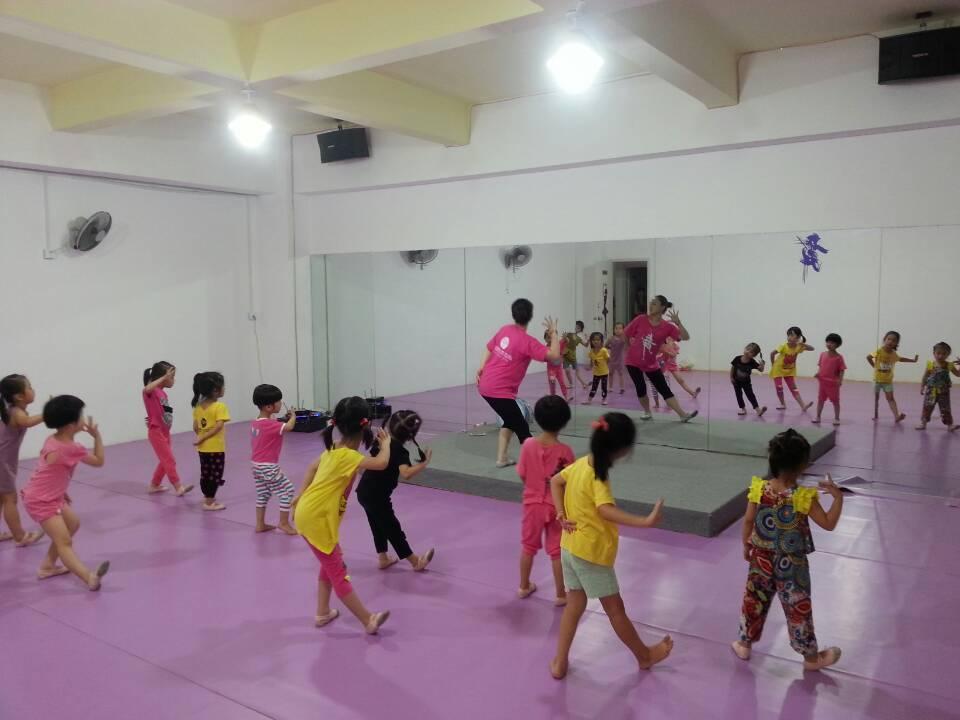 03 幼儿舞蹈班