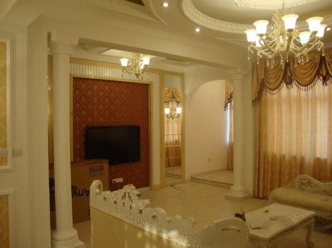 承接各种石膏线安装工程,罗马柱安装,角花安装,欢迎您的来电!图片