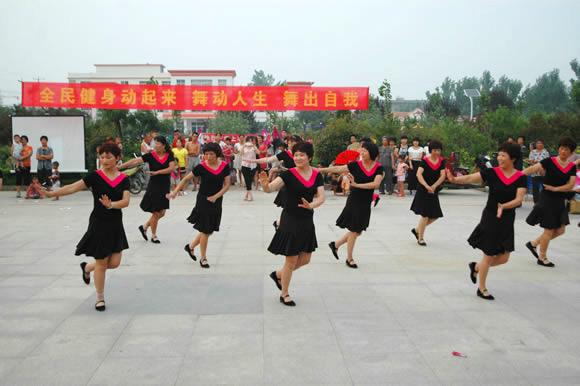 """费县上冶镇:兴起""""舞蹈热"""""""