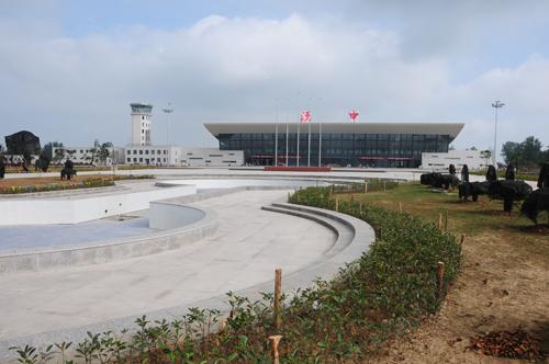 王建军检查新机场建设现场