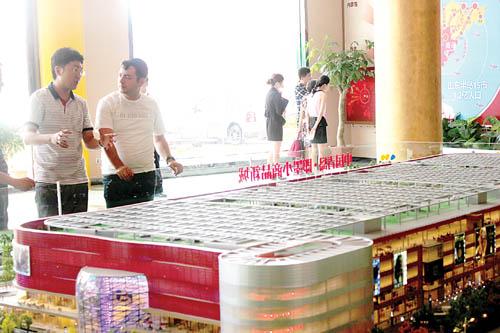 (袁颖王鸿)   本月初,即墨小商品新城的项目建设现场见证了一个重要