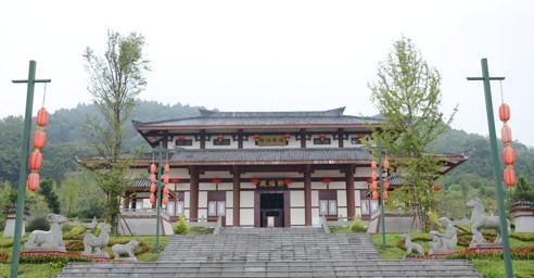年画展现等形式全面展示了春节的起源