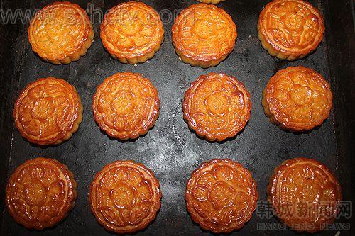 手工月饼:传统的中秋记忆
