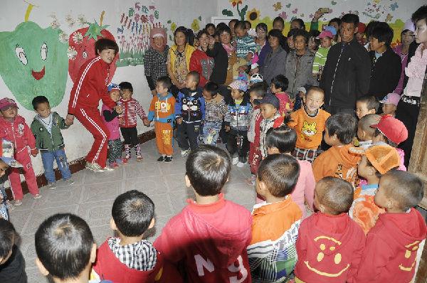 梁山佳乐幼儿园小朋友快乐的一天