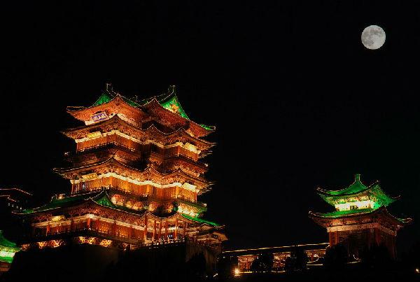 在沈阳拍摄的中秋节月亮