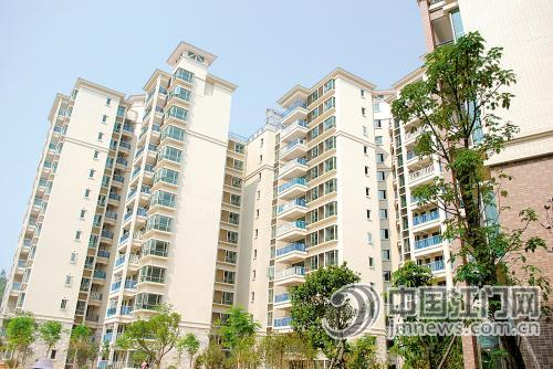 临近年底,鹤山不少房地产商稳步推货,包括锦绣华虹,松鹤国际新城等