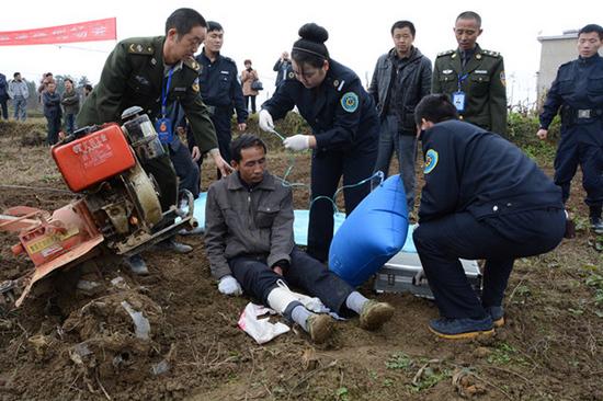开阳举行农机安全事故应急演练