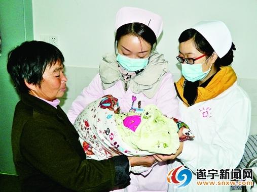 记蓬溪县中医院妇产科护士长——舒琴