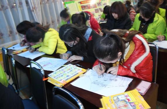 """幼儿园举行""""教师简笔画基本功""""技能大赛"""