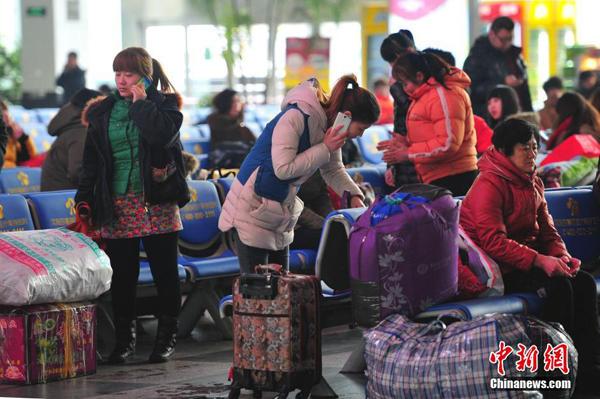 此外,因吉林省高速公路封闭,京哈高速毛家店站出口一度出现堵车现象