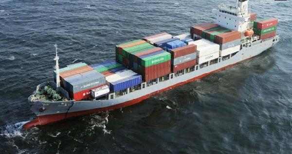 船拒载中国人_[拍客]香港撞船事故救援现场:用趸船固定沉没船只搜救