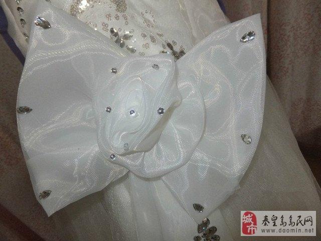 2013年新款漂亮齐地婚纱出售