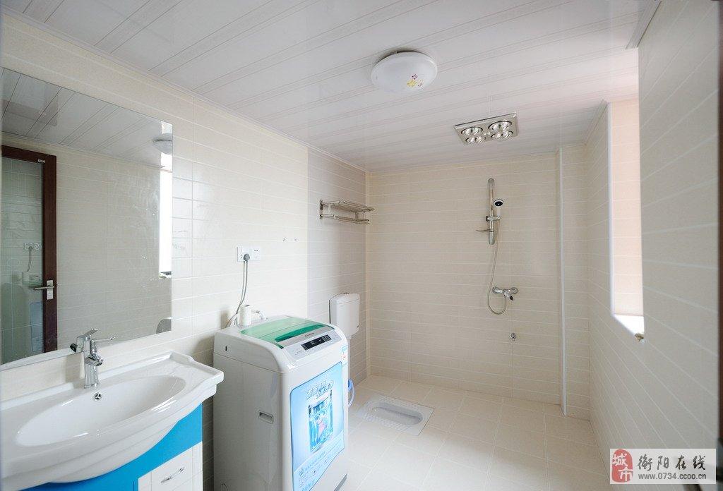 圆床红幔新房装修图-液晶电视,冰箱,洗衣机(家电均不是二手货),沙发,餐桌,厨房三