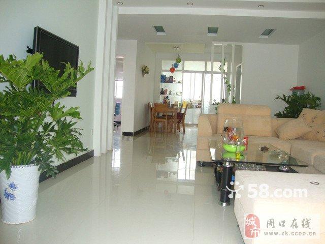 龙润小区两室厅精装修的房子出租