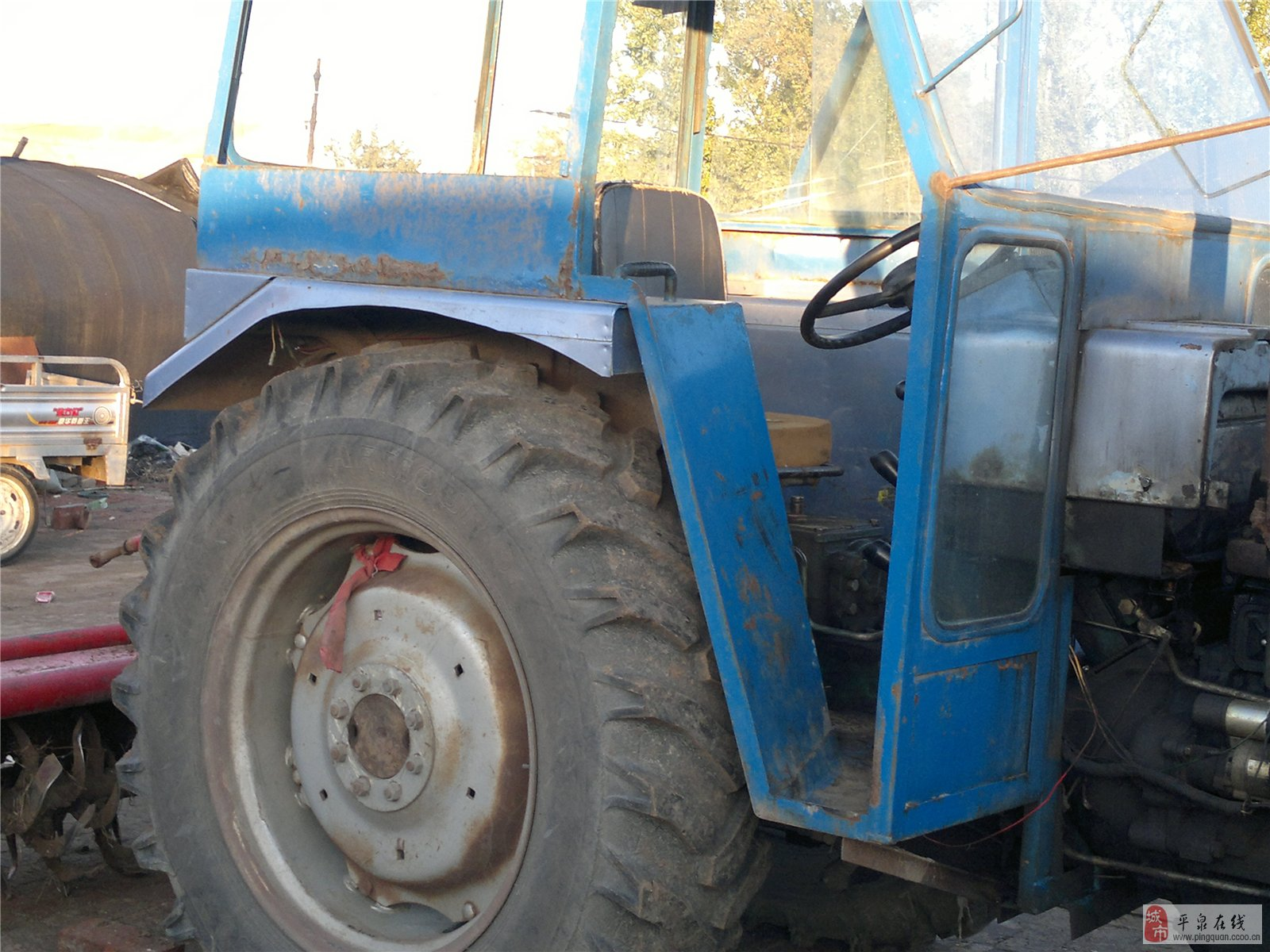 自用07年清江650拖拉机带旋耕机有驾驶室助 高清图片