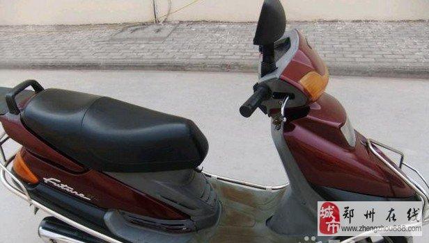 转让凌鹰雅马哈125踏板摩托